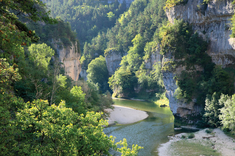 C vennes wild swimming outdoors in rivers lakes and the sea for Camping beziers avec piscine