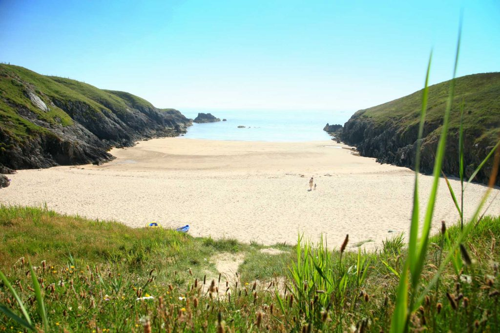 wild swimming secretr beach porth iago north wales